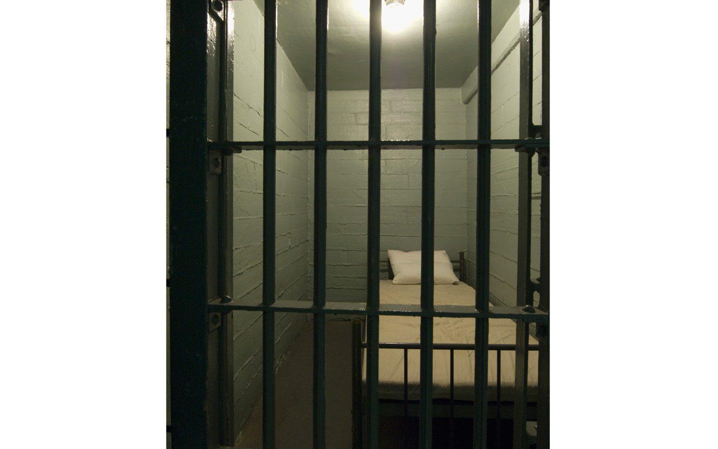 JailCellBed2Museum1440PX1.jpg